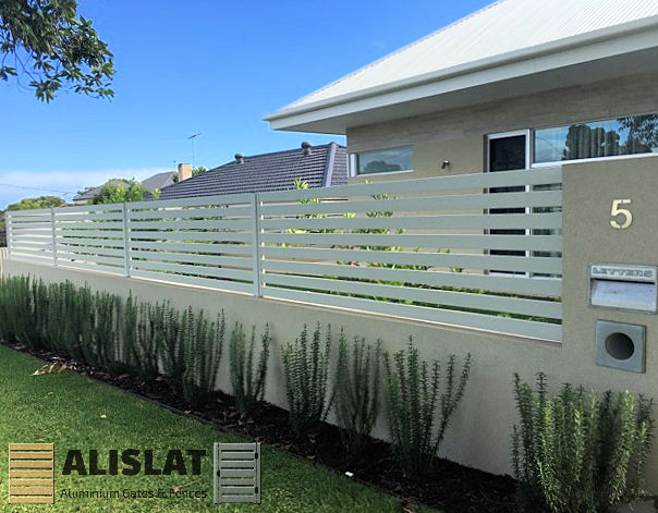 ALISLAT Free Standing Slats on Wall
